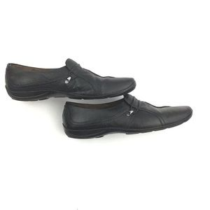 WOMEN'S BLACK NATURALIZER LOAFERS